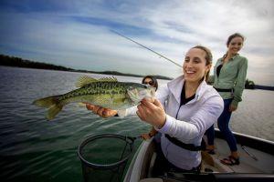 WomanHoldingFish_IMG_0604_rt1_150dpi